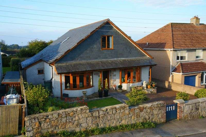 3 Bedrooms Detached House for sale in South Hill Road, Callington