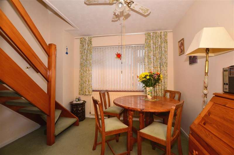 3 Bedrooms Bungalow for sale in Elaine Avenue, Strood, Rochester, Kent