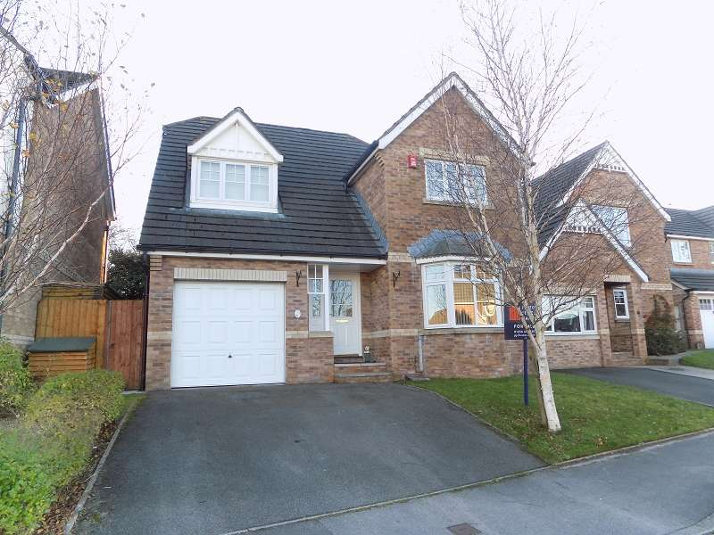 4 Bedrooms Detached House for sale in Ffordd Candleston , Broadlands, Bridgend. CF31 5DU