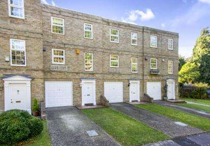 4 Bedrooms Terraced House for sale in Bournemouth, Dorset, 6 Queens Gardens