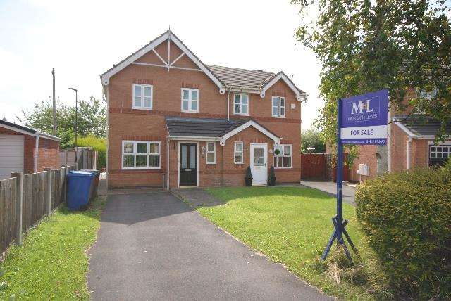 3 Bedrooms Property for sale in Lyon Road, Springfield