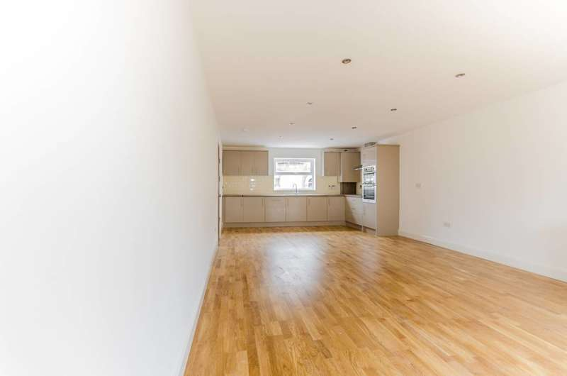 1 Bedroom Flat for sale in Station Road, Walthamstow, E17