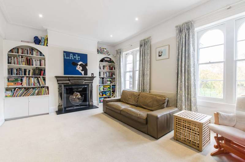 3 Bedrooms Maisonette Flat for sale in Belsize Road, South Hampstead, NW6