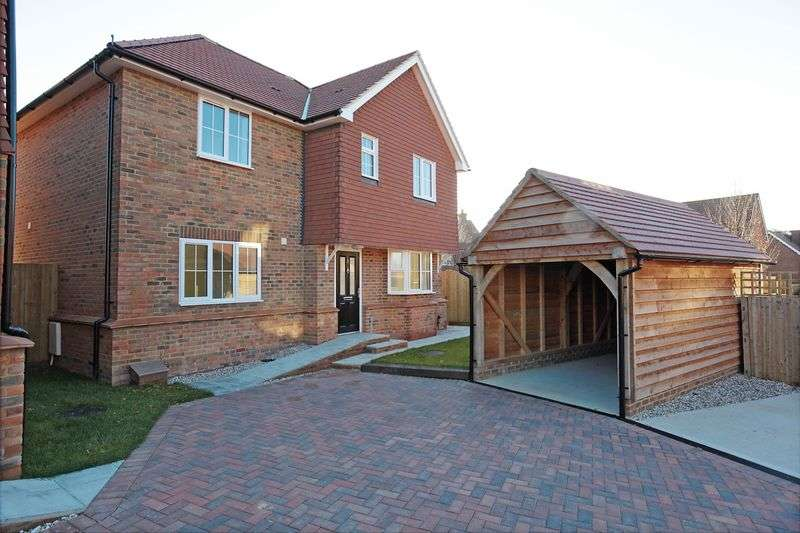 4 Bedrooms Detached House for sale in Amberstone, Hailsham, East Sussex