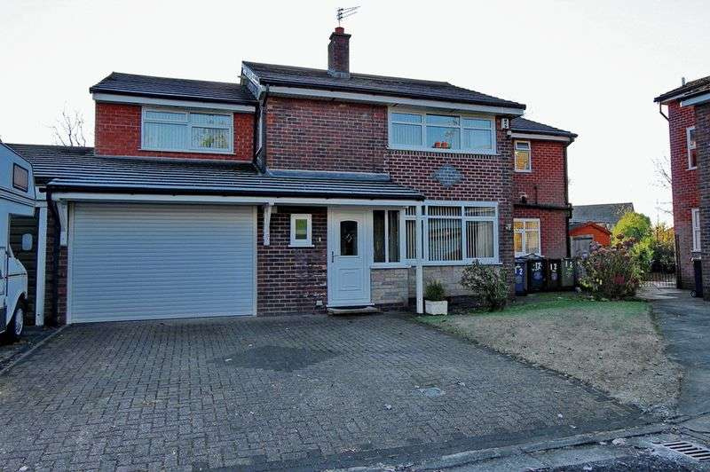 4 Bedrooms Detached House for sale in Deane Close, Whitefield, Manchester