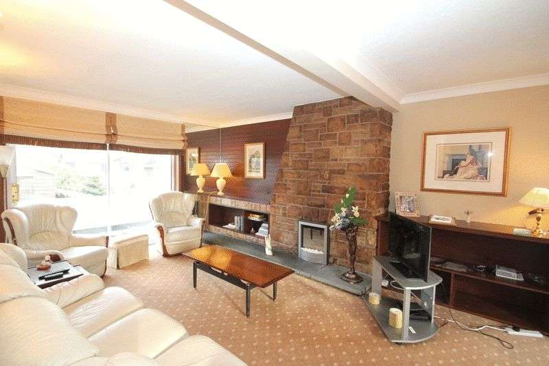 2 Bedrooms Flat for sale in Glassford Square, Tillicoultry
