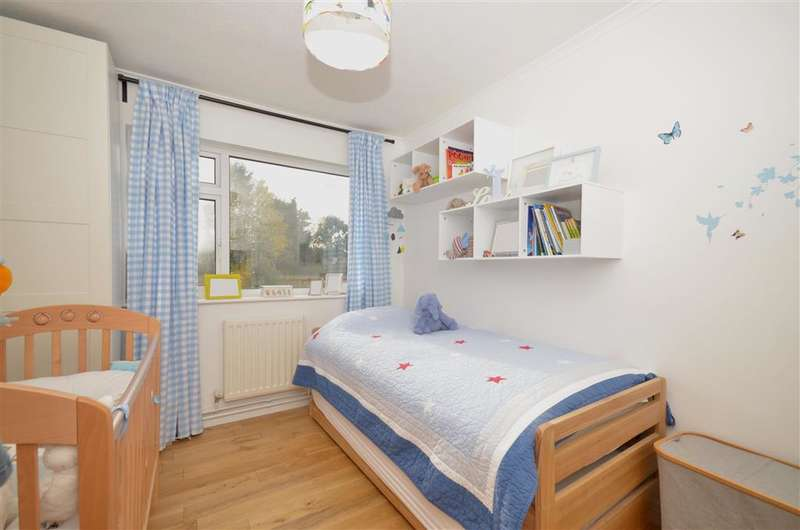 2 Bedrooms Flat for sale in Grange Road, Sutton, Surrey