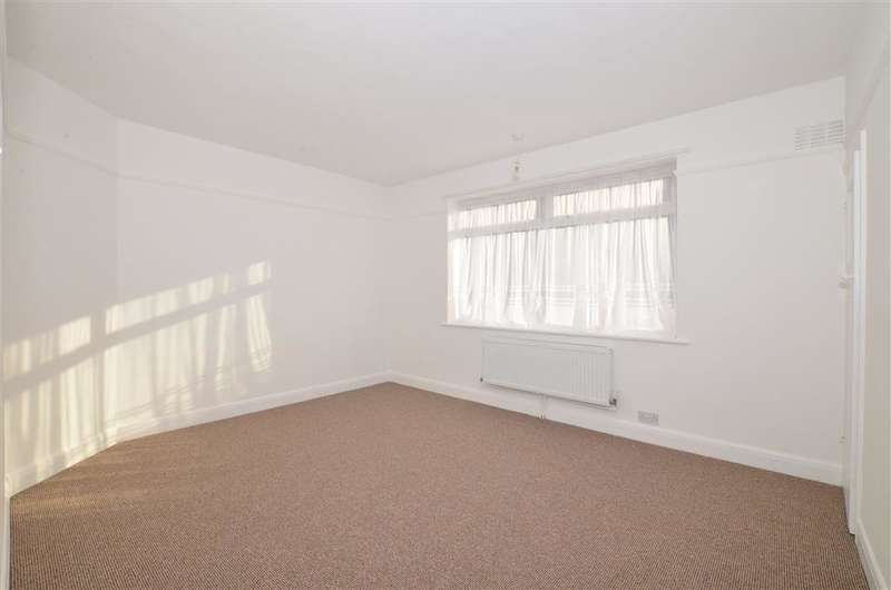 3 Bedrooms Semi Detached House for sale in Farthingloe Road, Dover, Kent