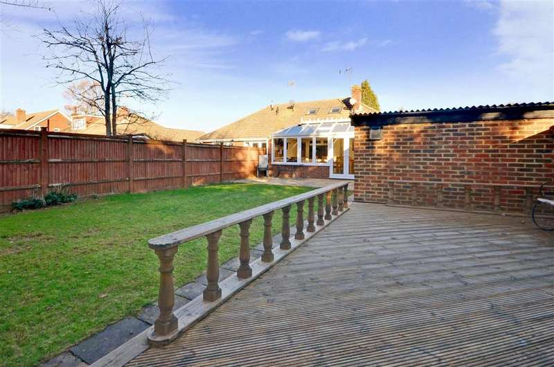 3 Bedrooms Semi Detached Bungalow for sale in Charlesford Avenue, Kingswood, Kent