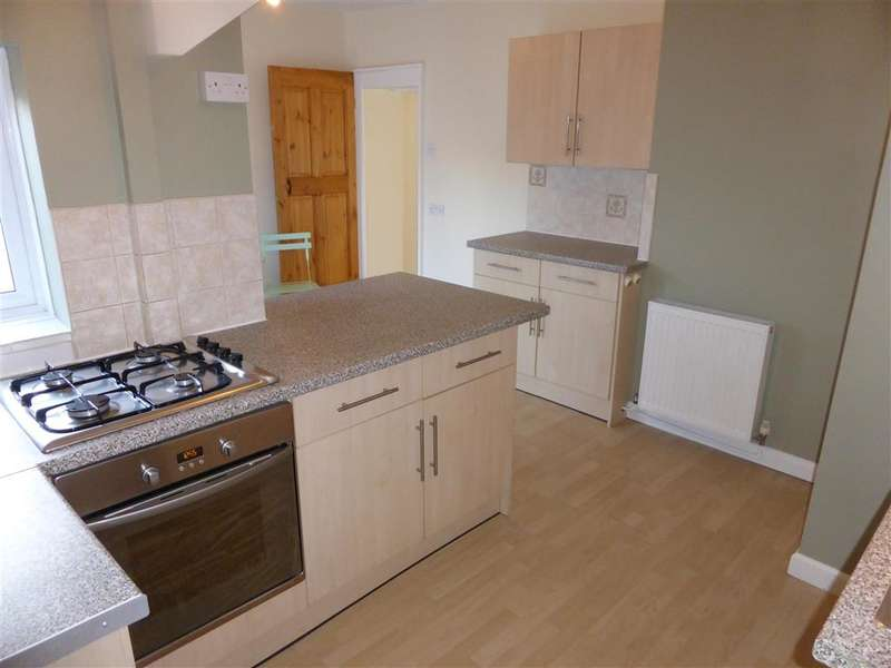 2 Bedrooms Semi Detached House for sale in Herne Bay Road, Whitstable, Kent