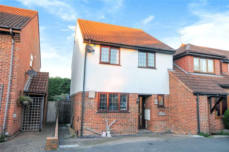 3 Bedrooms End Of Terrace House for sale in Fallowfield, Yateley, Hampshire, GU46