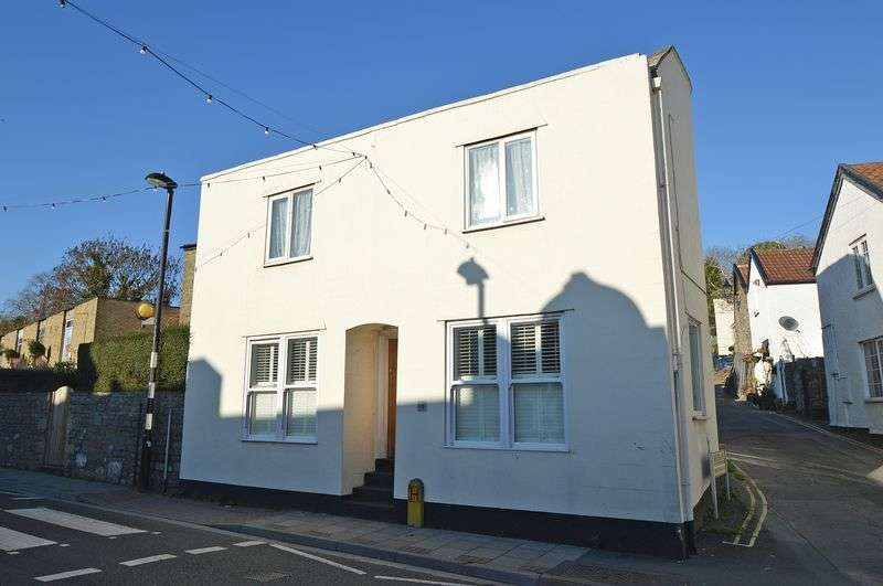 1 Bedroom Flat for sale in Town centre location in Clevedon