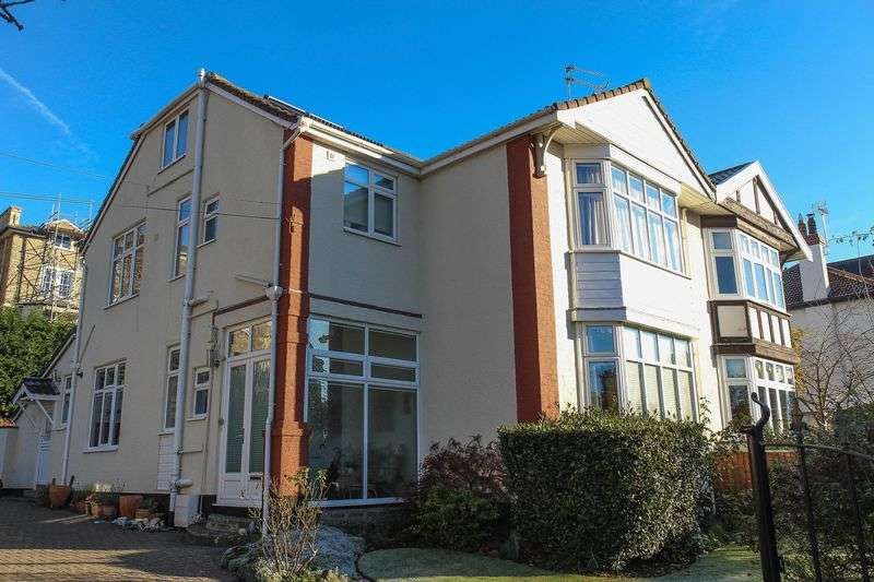 5 Bedrooms Semi Detached House for sale in Gardens Road, Clevedon