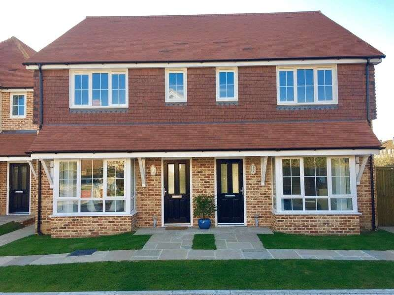 3 Bedrooms Semi Detached House for sale in Bucksham Place, Bucksham Avenue, North Bersted, PO21