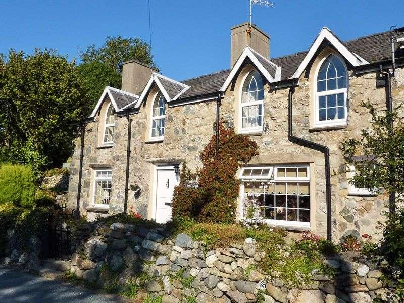 3 Bedrooms Terraced House for sale in Tai'n Lon, Clynnogfawr, Caernarfon.