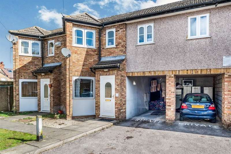 2 Bedrooms Semi Detached House for sale in Kings Avenue, Watford, WD18