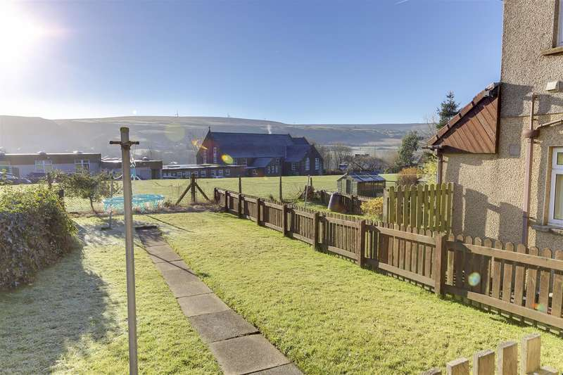 2 Bedrooms Flat for sale in Sowclough Road, Stacksteads, Rossendale