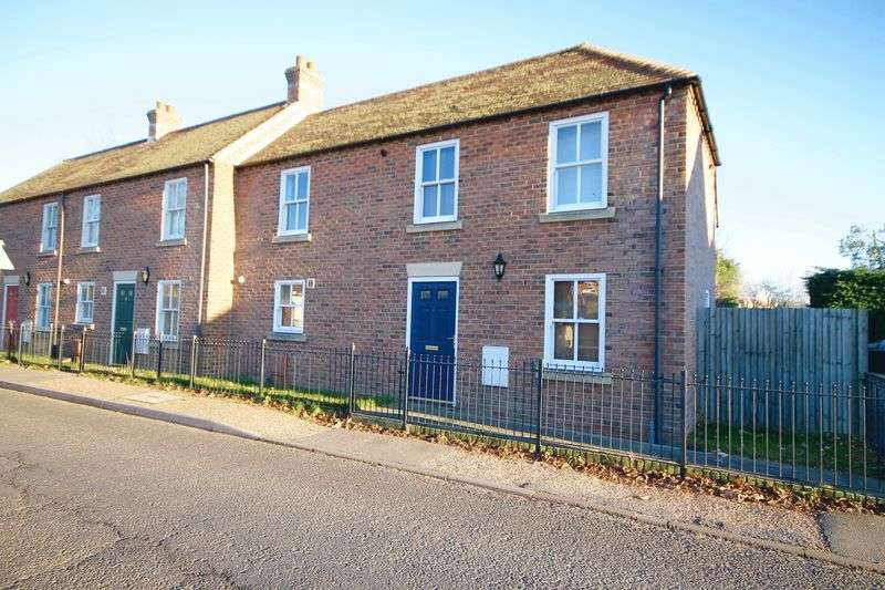 2 Bedrooms Terraced House for sale in Station Road, Bosham