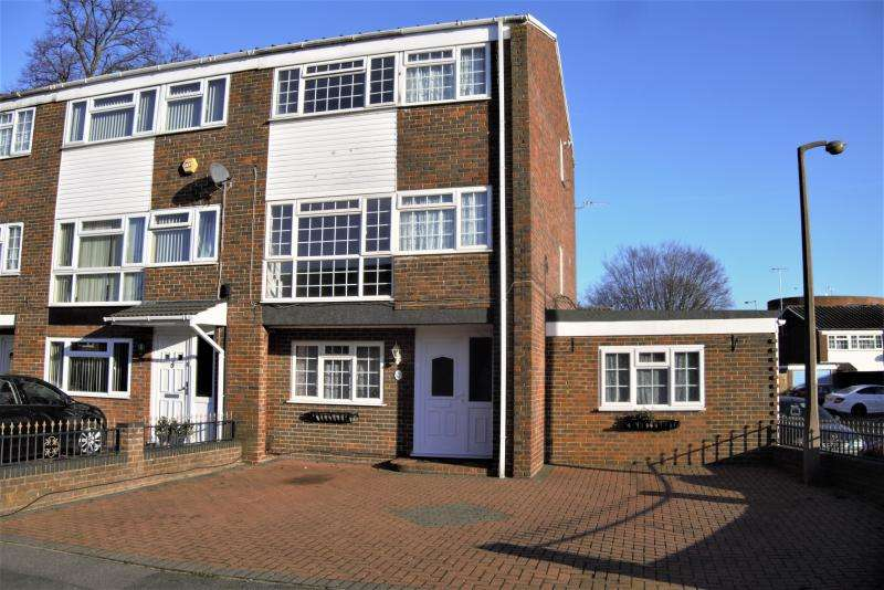 6 Bedrooms End Of Terrace House for sale in Clive Court