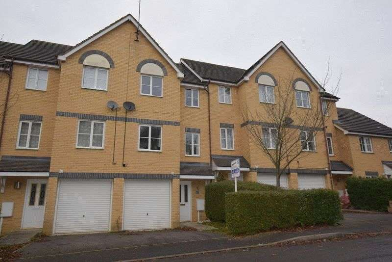 3 Bedrooms Terraced House for sale in Bertram Close, New Bradwell, Milton Keynes