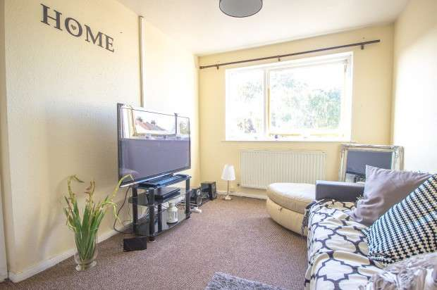 3 Bedrooms Terraced House for sale in Greyhound Terrace, London, SW16