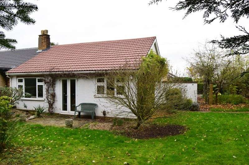 3 Bedrooms Semi Detached Bungalow for sale in Eaton Socon, St. Neots