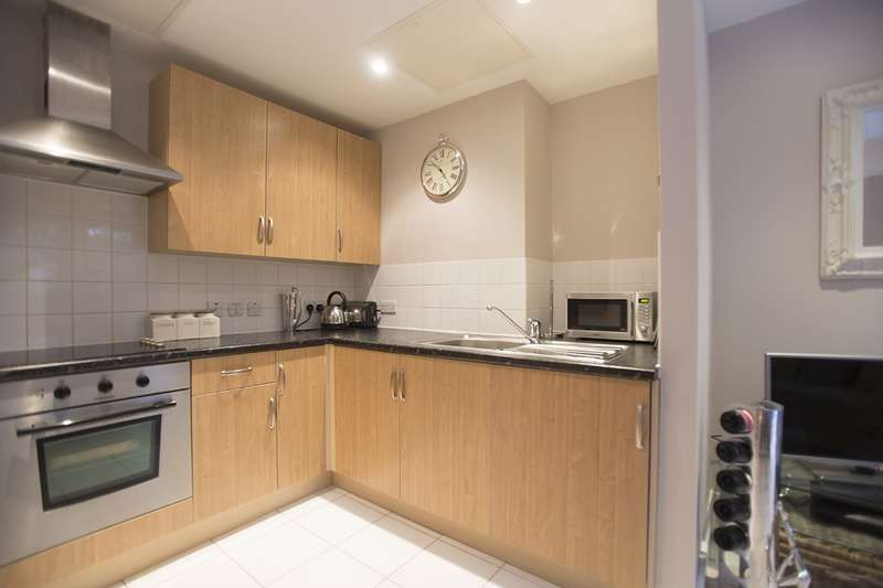 1 Bedroom Flat for sale in Drayton Park, London, London, N5