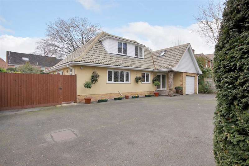 4 Bedrooms Detached House for sale in Avenue Close, Andover
