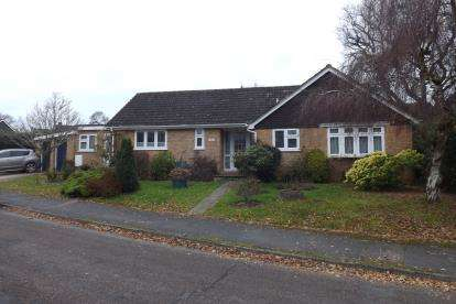 3 Bedrooms Bungalow for sale in West Wellow, Romsey, Hampshire