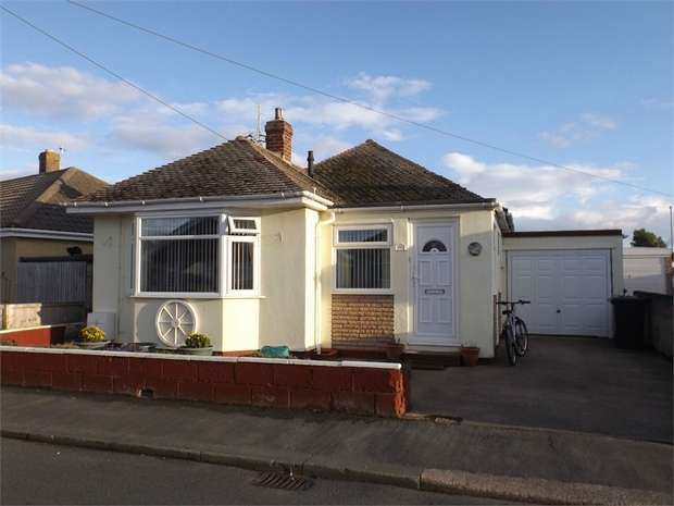 3 Bedrooms Detached Bungalow for sale in Kinmel Drive, Kinmel Bay, Rhyl, Conwy