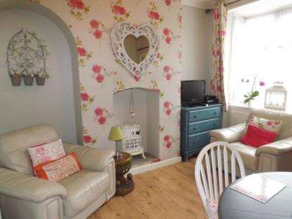 3 Bedrooms Terraced House for sale in Widney Road, Bentley Heath, Solihull, West Midlands