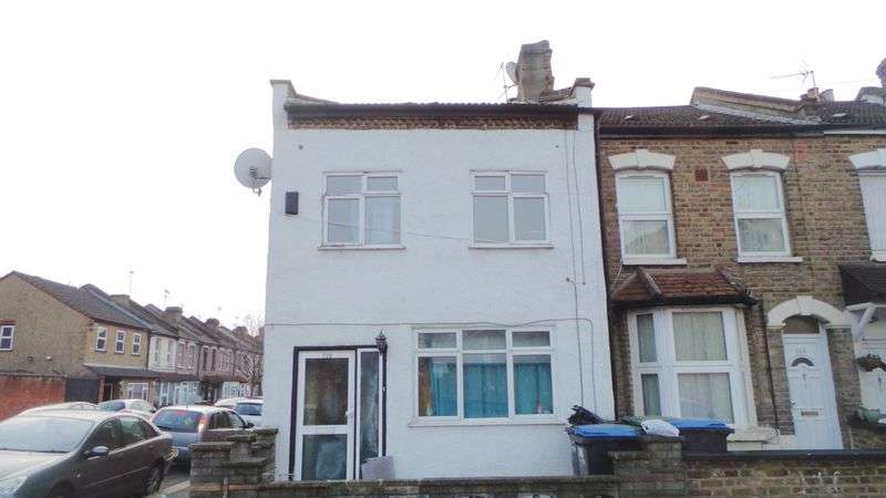 4 Bedrooms Terraced House for sale in Bounces Road, Edmonton, N9