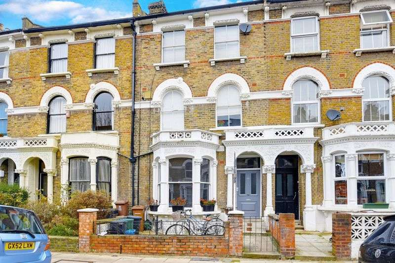 2 Bedrooms Flat for sale in Digby Crescent, London