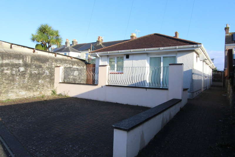 2 Bedrooms Semi Detached Bungalow for sale in Vicarage Court, Vicarage Road