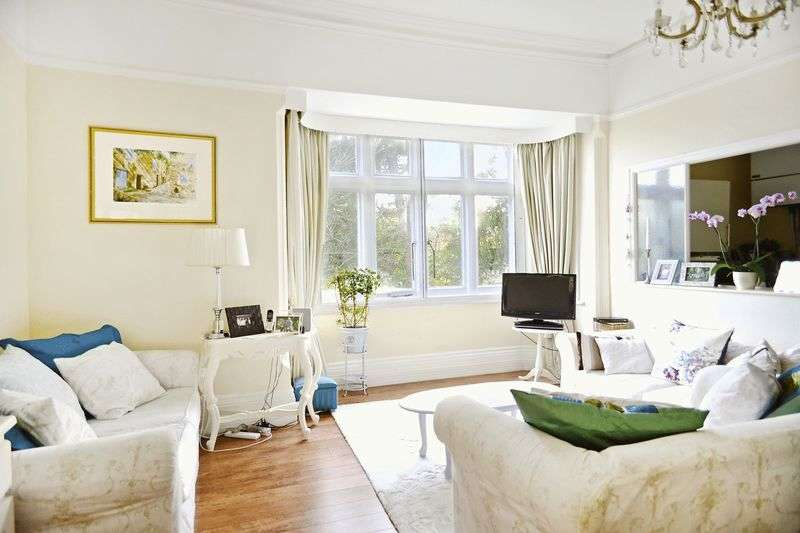 2 Bedrooms Flat for sale in Winterbourne Abbas, Near Dorchester, DT2