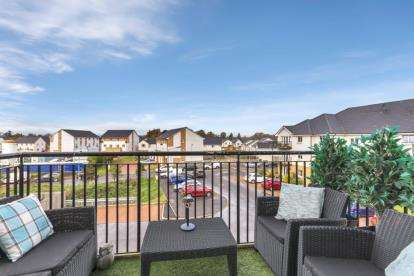 2 Bedrooms Flat for sale in Rollock Street, Stirling