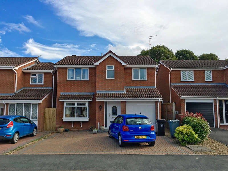 4 Bedrooms Detached House for sale in Woodhead Close, Stamford