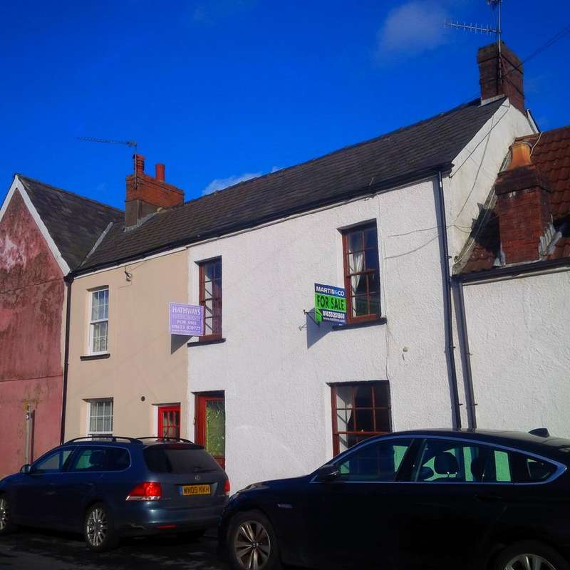 3 Bedrooms Terraced House for sale in Backhall Street, Caerleon