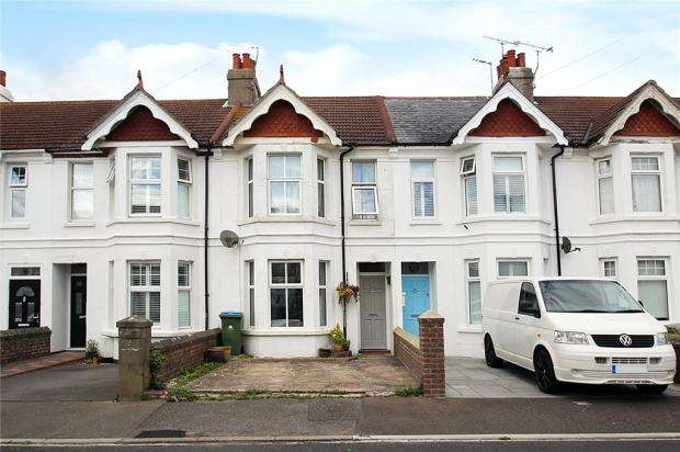 3 Bedrooms Terraced House for sale in Manor Road, East Preston, West Sussex, BN16