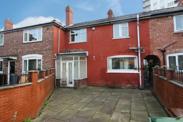3 Bedrooms Terraced House for sale in Hackney Avenue, Manchester, Greater Manchester, M40 2WE