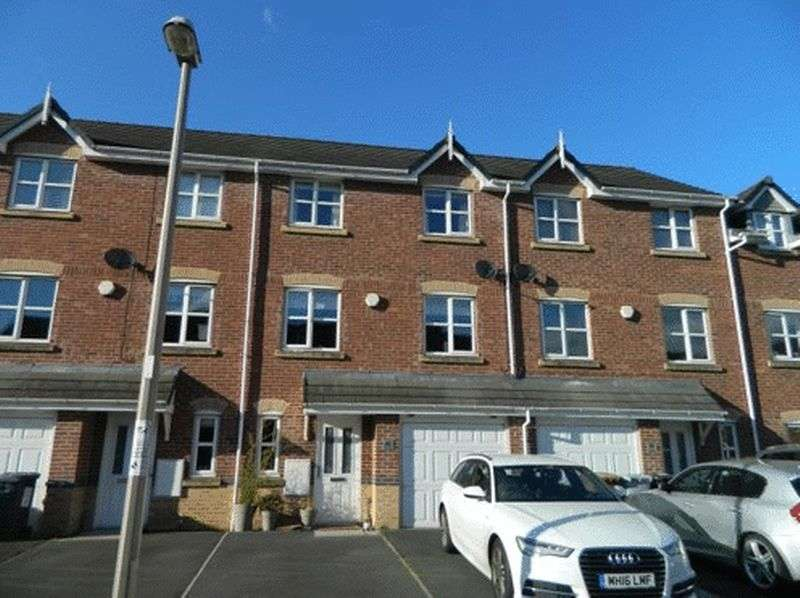 4 Bedrooms House for sale in Foxholme Court, Crewe