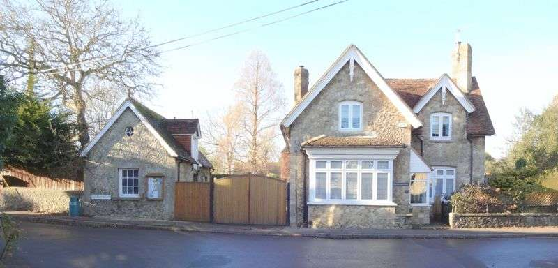 3 Bedrooms House for sale in DETACHED RAGSTONE HOUSE WITH RAGSTONE BRICK STABLE BUILDING (REQUIRING RENOVATION) AND PARKING AND EXTENSIVE GARDENS SITUATED IN THE SOUGHT AFTER VIL