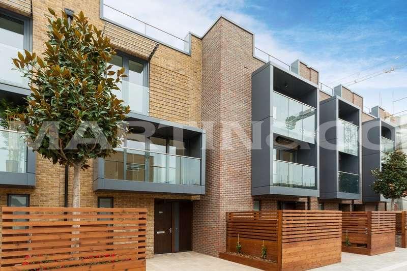 3 Bedrooms Town House for sale in Napier Townhouse, Napier West 3, East Acton