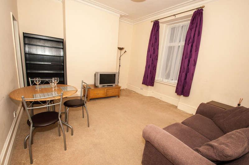 1 Bedroom Flat for sale in Esslemont Avenue