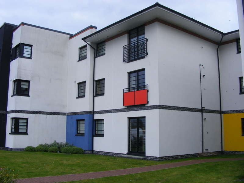 2 Bedrooms Apartment Flat for sale in Whiteside Court, Bathgate, West Lothian