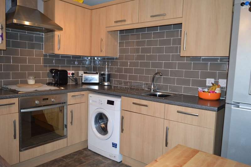 2 Bedrooms Apartment Flat for sale in Prospect Court, Morley