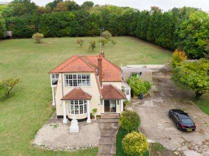 4 Bedrooms Detached House for sale in Sevenoaks Road, Pratts Bottom, Orpington