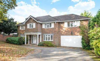 5 Bedrooms Detached House for sale in Homestead Road, Chelsfield Park, Orpington