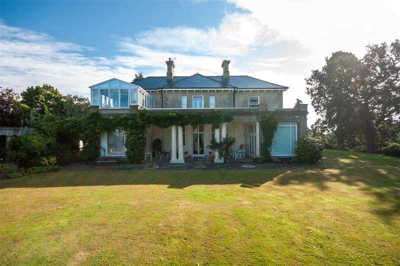 3 Bedrooms Apartment Flat for sale in Heathfield, Reigate Heath, Reigate, Surrey, RH2