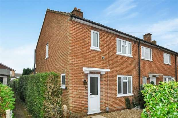 3 Bedrooms Semi Detached House for sale in Layters Close, Chalfont St Peter, Buckinghamshire
